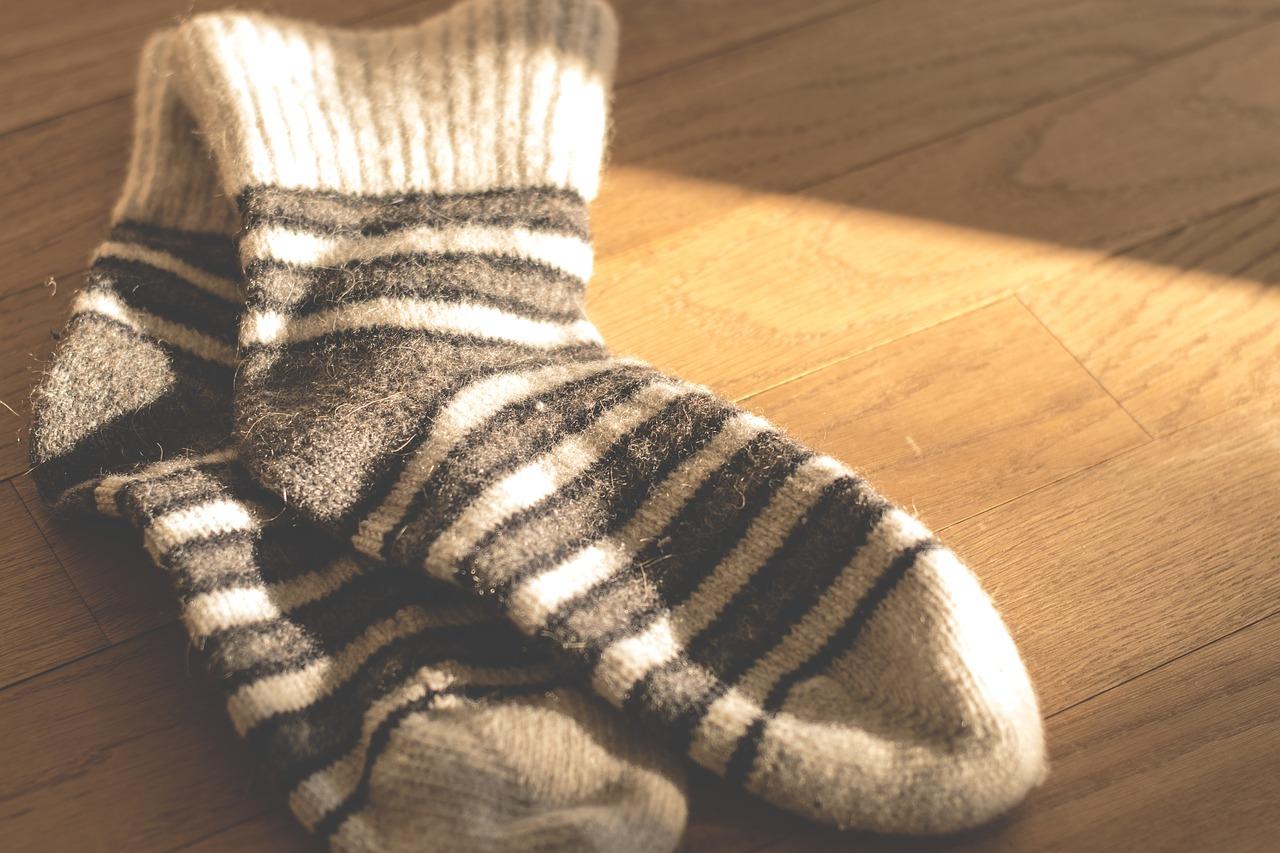 温かそうなウールの靴下